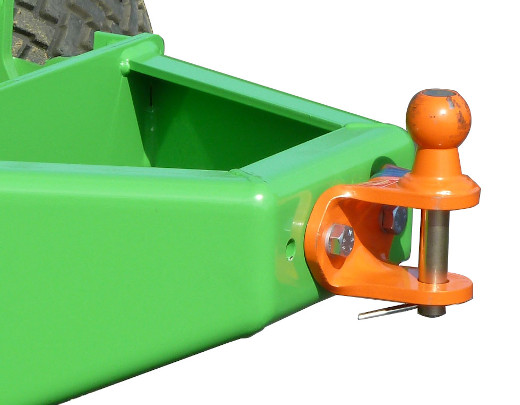 Avant® loader attachments - ball hitch