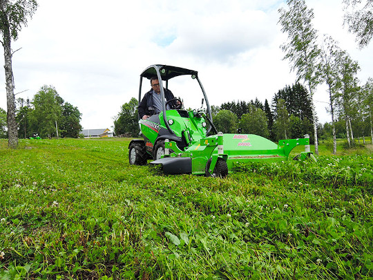 Avant® loader attachments - lawn mower 1500