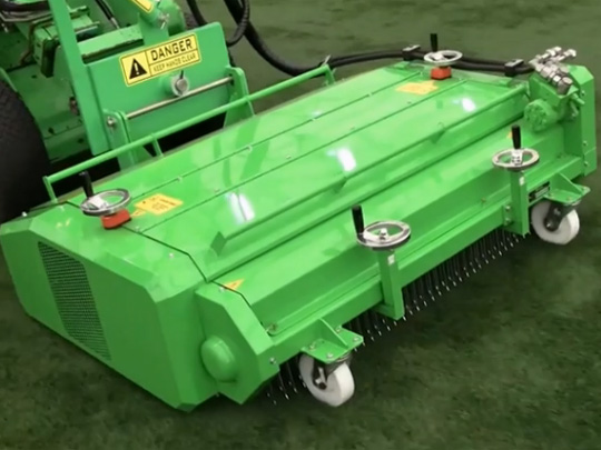 Avant® front loaders - artificial turf attachment UK Avant sales