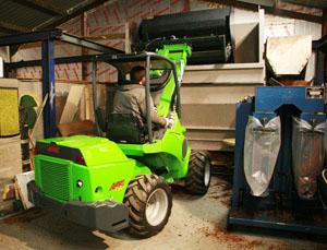 Avant® UK dealer Paul Helps Ltd